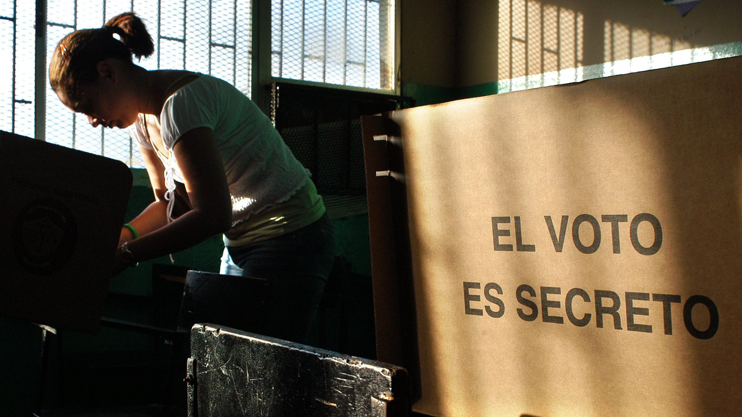 identifica cuándo se celebran elecciones en los países de américa central